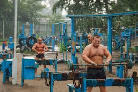 Benching 315 If You Can Bench Over 225 You U0027re A Big Bad Man Here U0027s Why