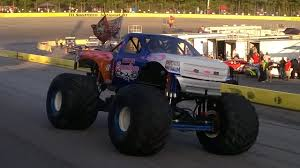 monster truck show schedule 2015 monster trucks highlight jam packed night at southern national