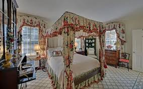 Curtains With Matching Valances Stunning Victorian Bedroom With Matching Floral Fabrics For Canopy