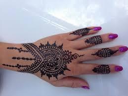 henna tattoo u2013 das indische bodypainting für den sommer