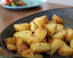 cuisiner pommes de terre recette pommes de terre au four ail et romarin facile rapide