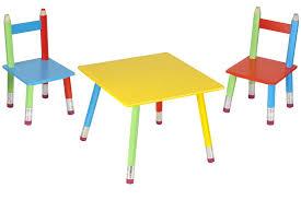 table chambre enfant salon pour enfant crayons meuble enfant sur jardindeco com