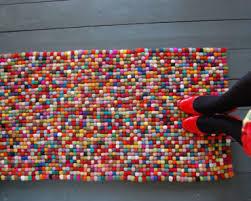 tappeto con tappi di sughero fai da te con tappi di sughero ecco cosa realizzare in modo