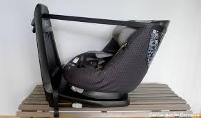 siege auto axis test et avis le siège auto axissfix de bébé confort cerise sur le