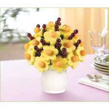 simply edible buy edible arrangements simply daisies large delivered by edible