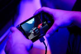 sony vs nintendo playstation boss sees limited handheld market