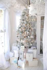 ideas of christmas tree decorations silver and white christmas