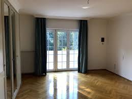 Schlafzimmerm El Nussbaum Häuser Zu Vermieten Frankfurt Am Main Mapio Net
