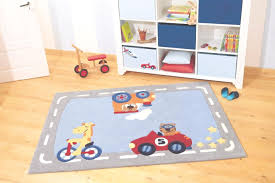 tapis de chambre enfant tapis chambre b b gar on tapis pour chambre enfant vert avec