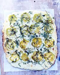 cuisine choux fleur chou fleur comme une pizza pour 6 personnes recettes à table