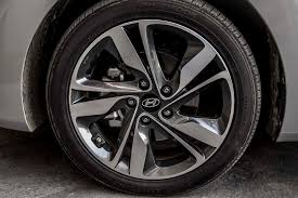 tire size for hyundai elantra 2014 hyundai elantra limited test motor trend