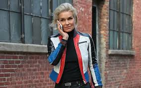 how tall is yolanda foster hw yolanda hadid is currently single after divorce from david foster