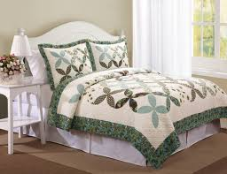 Country Quilts And Bedspreads Quilts Quilted Bedspread Country Cross Farfalla Set