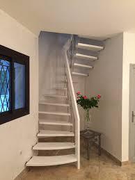 treppen meister escalier suspendu design laqué blanc treppenmeister escalier