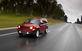 red jeep patriot 2012 jeep patriot photo gallery motor trend