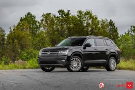 volkswagen atlas black vossen wheels vw atlas vossen flow formed series vfs2