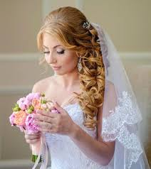 Hochsteckfrisurenen Zur Hochzeit Mit Schleier by 13 Besten Hochzeitsfrisuren Schöne Brautfrisuren Bilder Auf