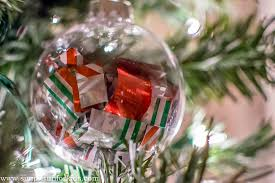 wrapping paper ornaments simple for