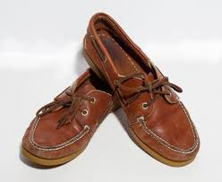 ugg womens boat shoes vtg 90 s honey brown leather boat shoes womens size 7 1 2 sperry