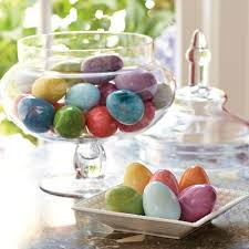Easter Glass Decorations by 50 Easter Decorations With Pictures Tables Crafts Baskets