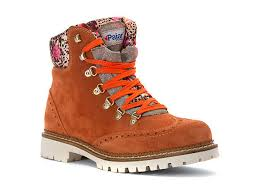 womens walking boots canada 10 of the most stylish hiking boots for