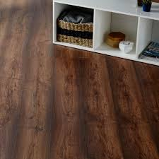 Sticky Back Laminate Flooring Tamworth Dark Oak Effect Laminate Flooring 2 467 M Pack