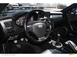 2003 hyundai tiburon gt tuscani edition 2003 hyundai tiburon gt v6 black steering wheel photo 47130123