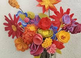 felt flowers how to make felt flowers hgtv