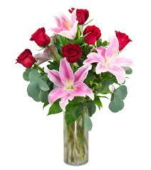 a dozen roses a half dozen roses floral arrangement radebaugh florist