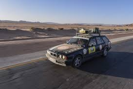 bmw rally off into the desert u2013 three bmw 5 series touring cars successfully