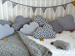 diy baby deko kinderzimmer kissen deko selber machen wolken pillows