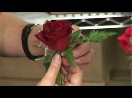 Boutonniere Flower Wedding Flowers U0026 Floral Arrangements How To Make A Boutonniere