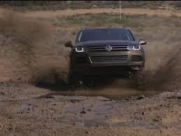 volkswagen jeep 2014 jeep grand cherokee ecodiesel vs 2013 volkswagen touareg tdi