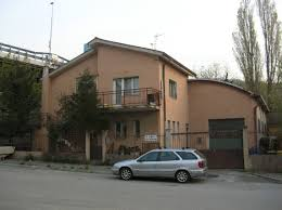 cod 09985 warehouse of 400 square meters and two family house