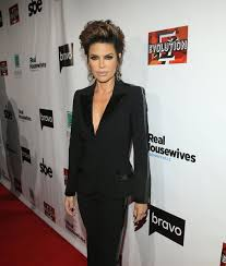 does kyle wear hair extensions wow lisa rinna looks amazing with hair extensions extratv com