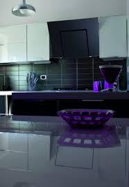 hotte cuisine verticale hotte aspirante verticale cuisine 1494839682 ambiance zena cuisson
