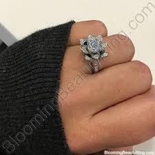 buy wedding rings wedding rings who buys wedding rings does the buy the