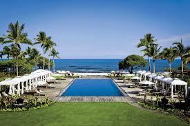 it u0027s the billionaires vs the millionaires in this hawaiian resort war