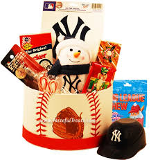 new york gift baskets 71 best gifts for new york yankees fans images on new