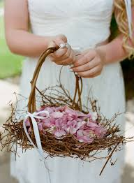 wedding baskets 26 easy ways to use baskets at your wedding weddingomania