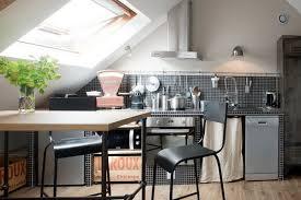 amenagement cuisine rectangulaire une cuisine sous les combles c est possible mademoiselle déco