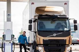 truck volvo work truck review news