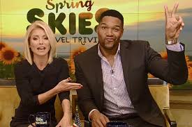 kelly and michael halloween 2017 so how awkward was michael strahan u0027s last u0027live with kelly