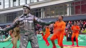 watch love at the thanksgiving day parade the wiz live