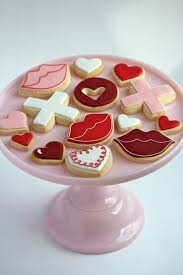 Icing To Decorate Cookies Outlining And Filling Cookies With Royal Icing Video Sweetopia