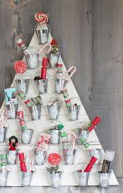 diy home christmas decorations christmas decorations 20 diy ideas you should try hongkiat