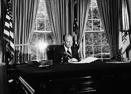 Desk In Oval Office by In The Room When Ford Pardoned Nixon David Hume Kennerly