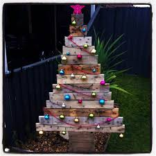 christmas christmas tree pallet blog crissys crafts from plans