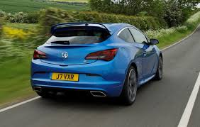 vauxhall vxr220 vauxhall astra vxr review 2012 2015 parkers