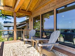 beautiful home w private deck and stunning vrbo